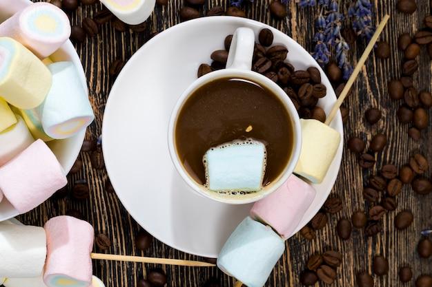 Café noir et guimauves