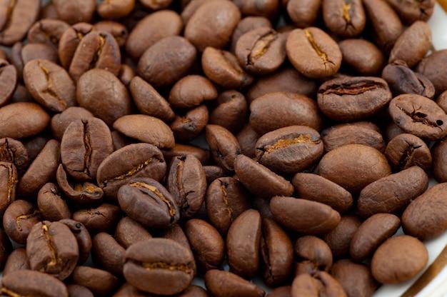 Café torréfié brun