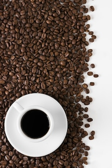 Café torréfié et tasse de café