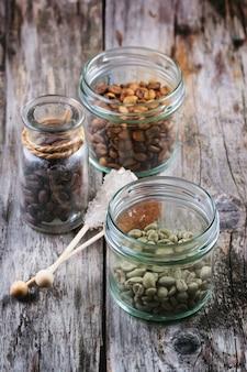 Café vert, marron et noir