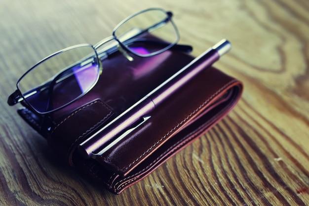 Cahier de lunettes de stylo d'affaires