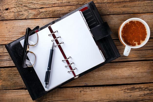 Cahier avec stylo