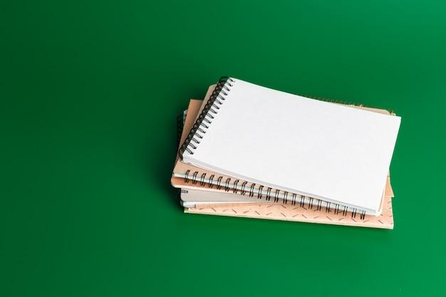 Cahier sur le vert