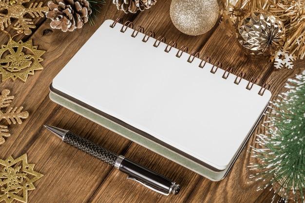 Cahier vierge à noël et au nouvel an