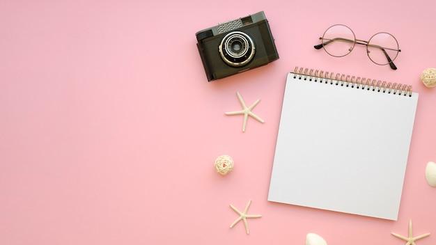 Cahier de vue de dessus avec appareil photo