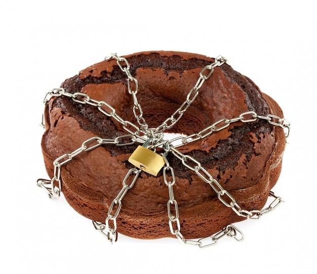 Cake au chocolat avec des chaînes