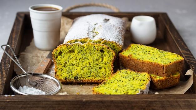 Cake aux graines de pavot citron