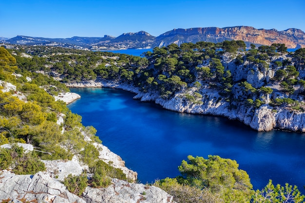 Calanques de port pin à cassis en france près de marseille