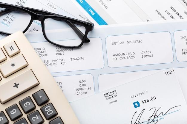Calculatrice et agencement de documents