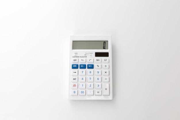 Calculatrice sur un blanc