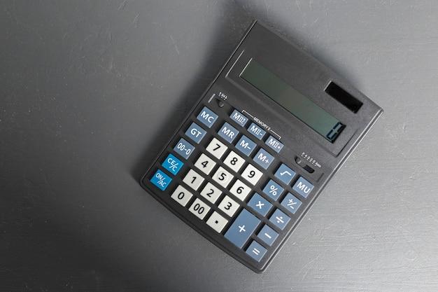 Calculatrice sur la table