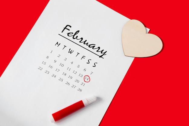 Calendrier 2021. saint valentin. calendrier de bricolage pour 2021. jour férié marqué sur le calendrier
