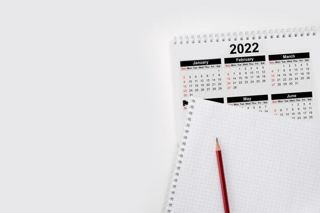 Calendrier de l'année civile 2022 avec note vierge pour faire la liste sur papier
