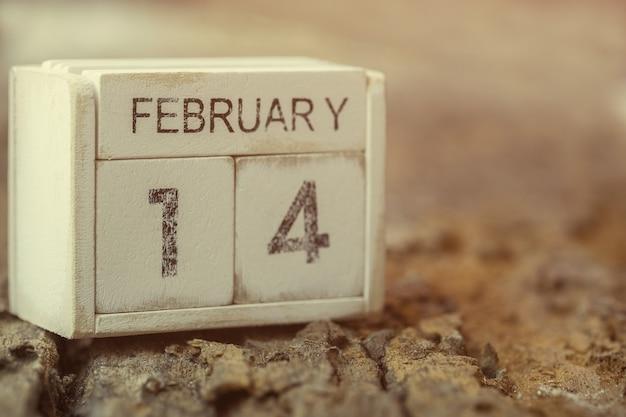 Calendrier en bois du 14 février