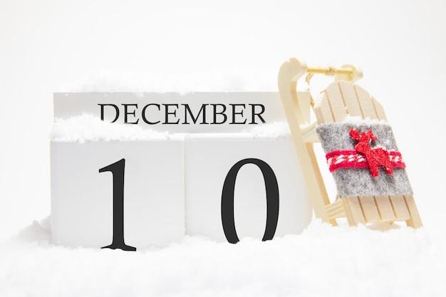 Calendrier en bois pour décembre, 10 ème jour du mois d'hiver.
