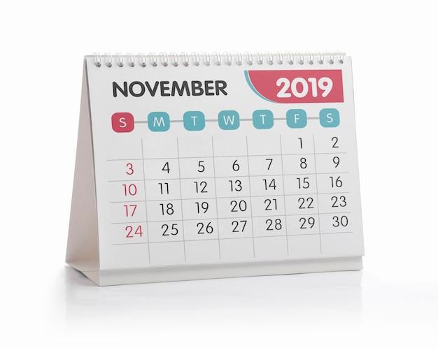 Calendrier de bureau blanc de novembre 2019 isolé sur blanc