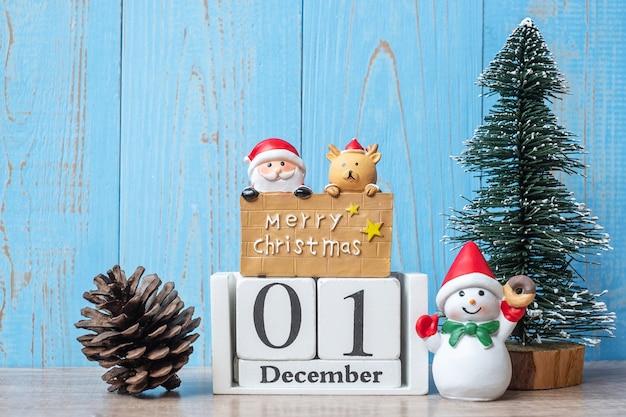 Calendrier du 1er décembre avec décoration de noël