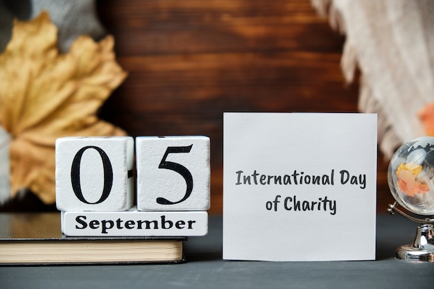 Calendrier de la journée internationale de la charité du mois d'automne