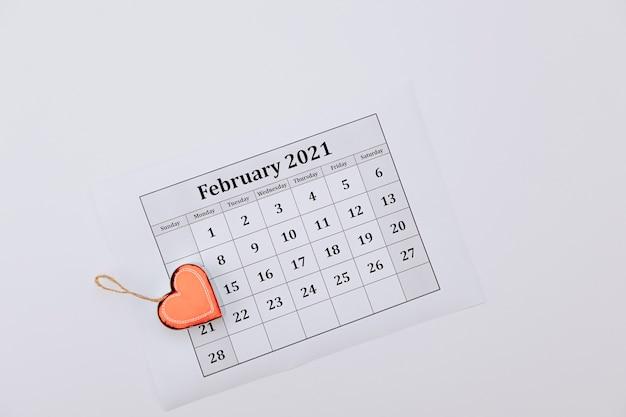 Calendrier de la saint-valentin, au lieu du cœur numéro 14. vue de dessus