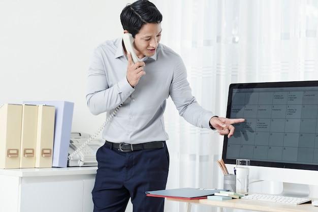 Calendrier de vérification des entrepreneurs