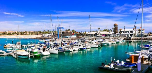 Caleta de fuste marine, station touristique populaire des îles canaries