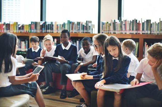 Camarade de classe éduquer ami concept de leçon