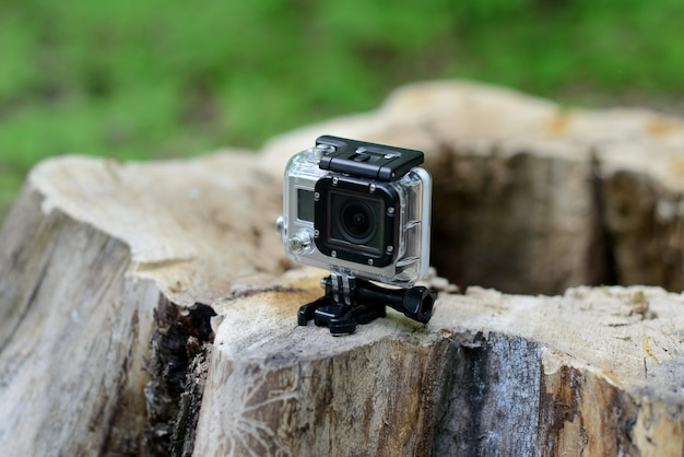 Caméra go pro dans la forêt