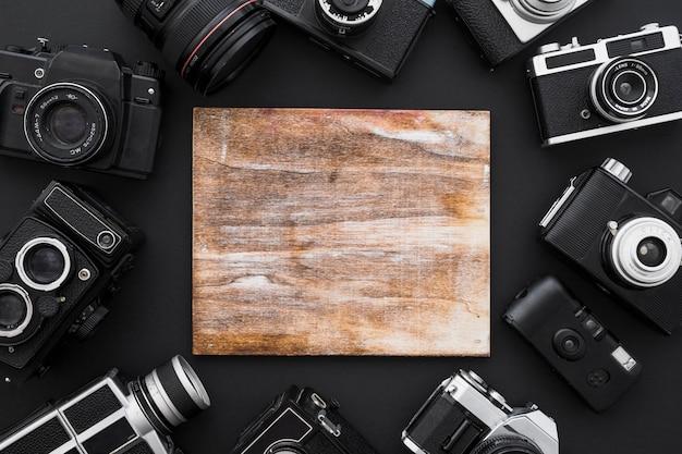 Caméras autour de la planche de bois