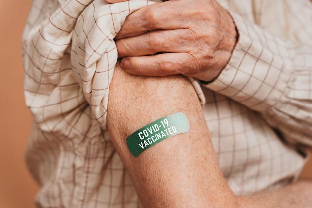 Campagne de vaccination contre le covid-19 (coronavirus) dans une clinique