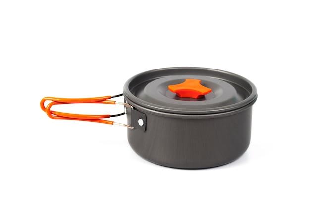 Camping casserole ou pot sur fond blanc