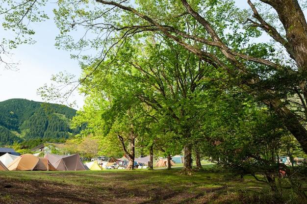 Camping du lac tanuki dans la ville de fujinomiya shizuoka ken japon