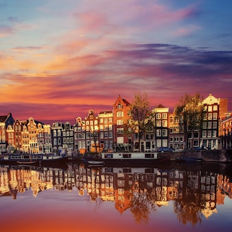 Canal d'amsterdam à l'ouest.