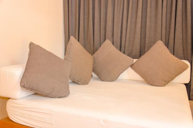 Canapé dans la chambre