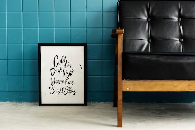 Canapé dans le salon design minimaliste