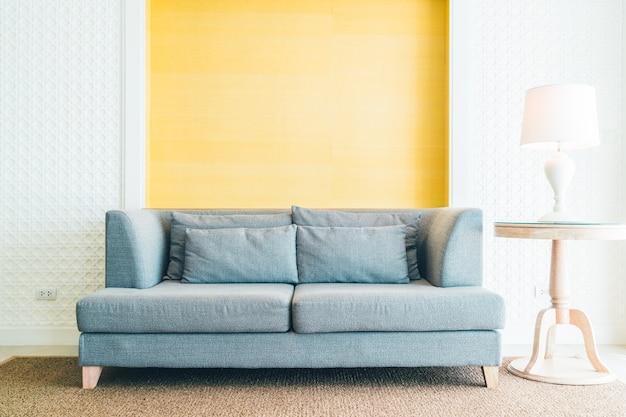 Canapé dans le salon
