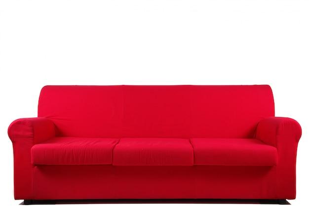Canapé rouge sur blanc