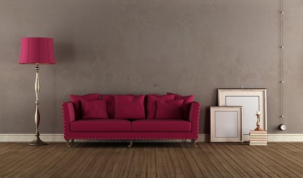 Canapé violet dans la chambre avec mur marron et parquet