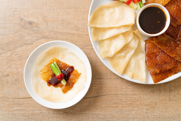 Canard laqué. style de cuisine chinoise