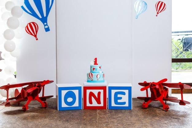 Candy bar sur la fête d'anniversaire du garçon