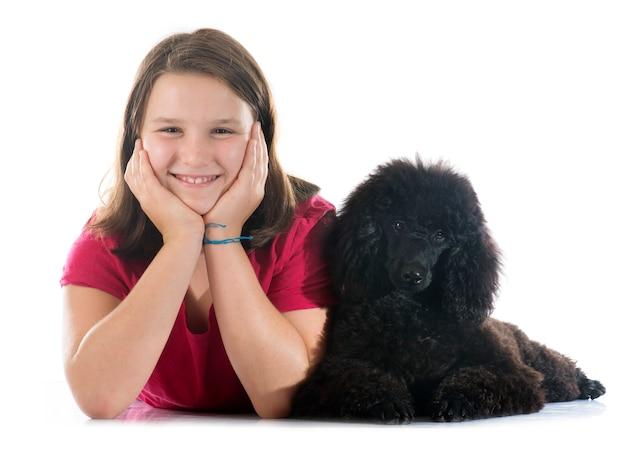 Caniche et enfant