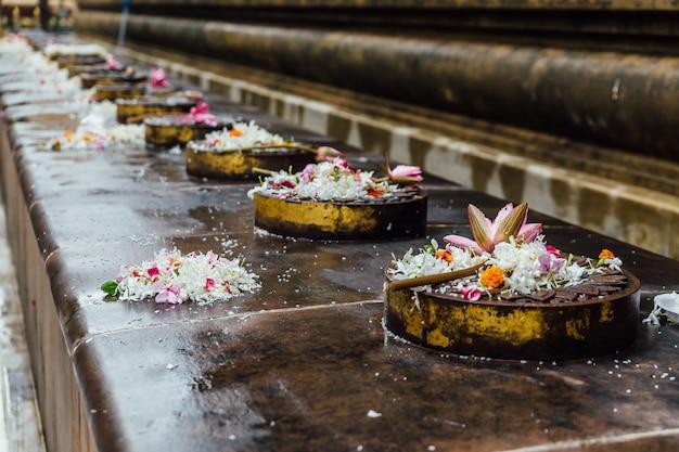Cankamana (promenade du cloître) où le seigneur bouddha marche sur ces plateformes