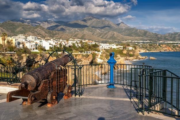 Canon à balcon de europa à nerja, malaga