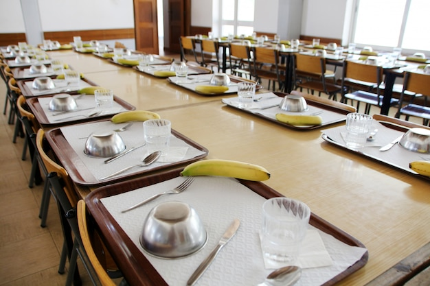 Cantine scolaire vide