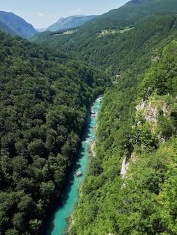 Canyon de la rivière tara au monténégro
