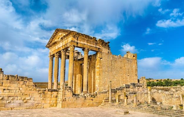 Le capitole romain de dougga en tunisie, afrique du nord