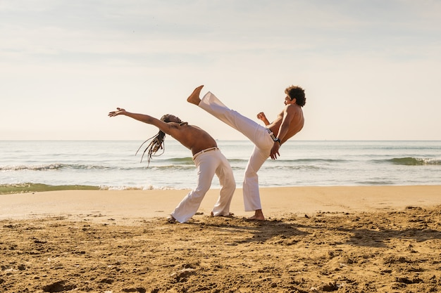Capoeira, hommes, formation, plage