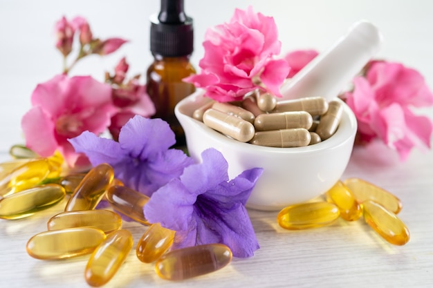 Capsule organique à base de plantes de médecine alternative avec de la vitamine e oméga 3 médicament minéral d'huile de poisson