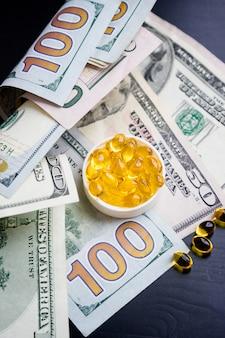 Capsules d'huile de poisson et de dollars