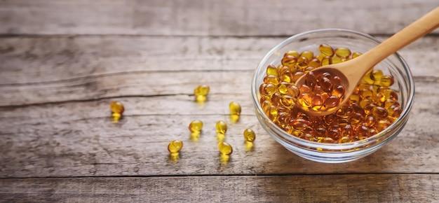 Capsules de vitamine d3. médecine vitamines et compléments alimentaires.