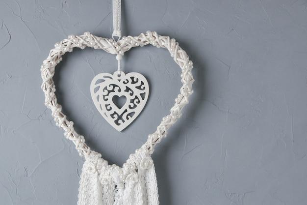 Capteur de rêves en dentelle cœur blanc